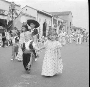 Desfile De La Los Ninos, Santa Barbara, CA. - FS26