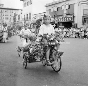 Fiesta Santa Barbara CA. Tricycle - FS34