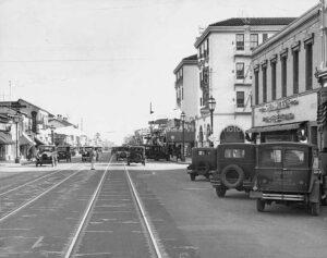 State Street, Santa Barbara CA 1930's - FS60
