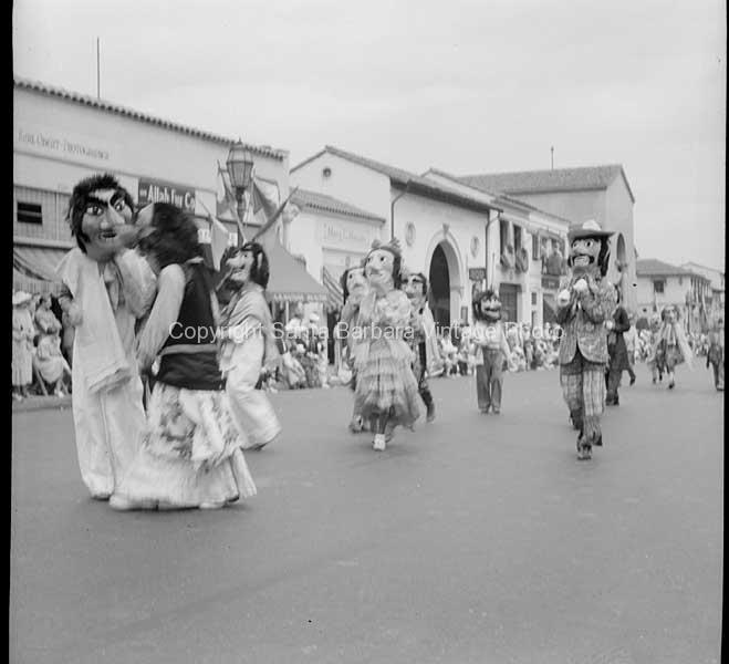 Santa Barbara Fiesta Parade, 1930's FS47